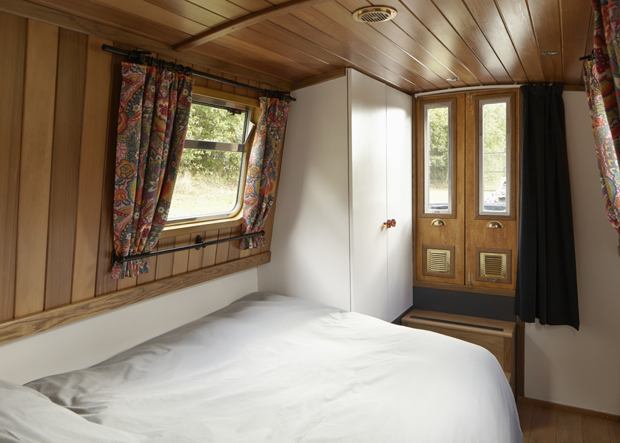 We think you'll have a relaxing time on our narrowboat for hire Queenie.